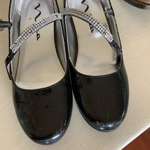 Nina shoes—worned. Some scratched areas. See pic.
